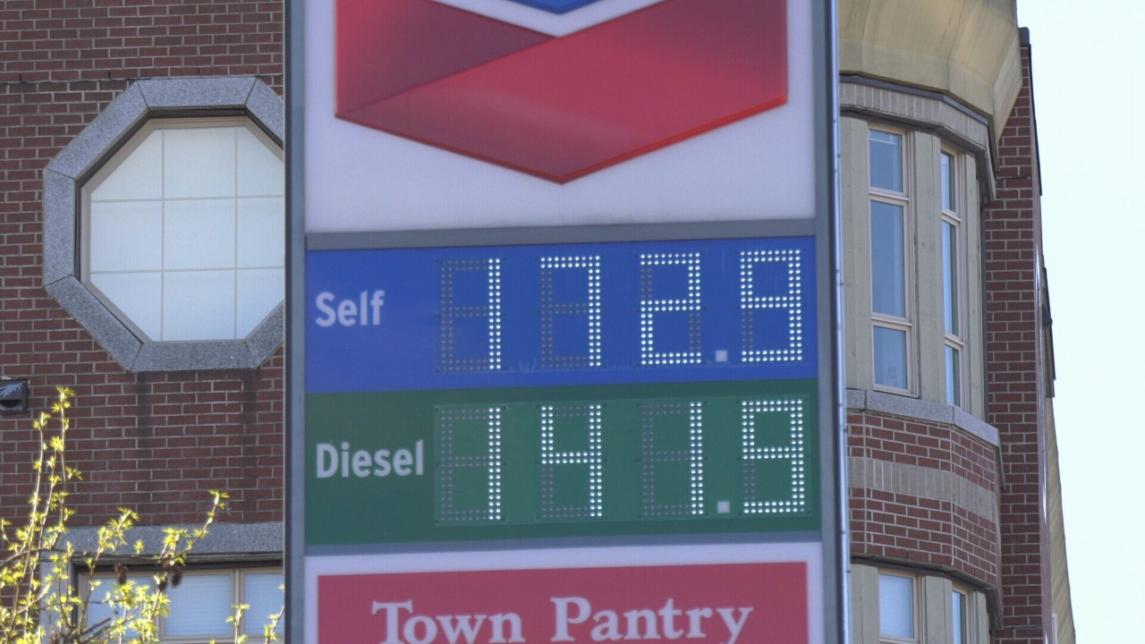 Bellingham Gas Prices >> A Look At The Cheapest And Most Expensive Gas Stations In