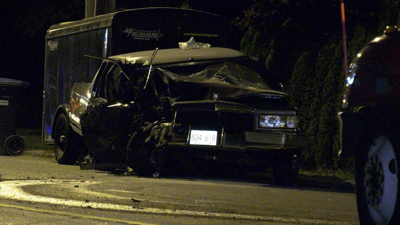 Car crash knocks out power in New Westminster | CTV News