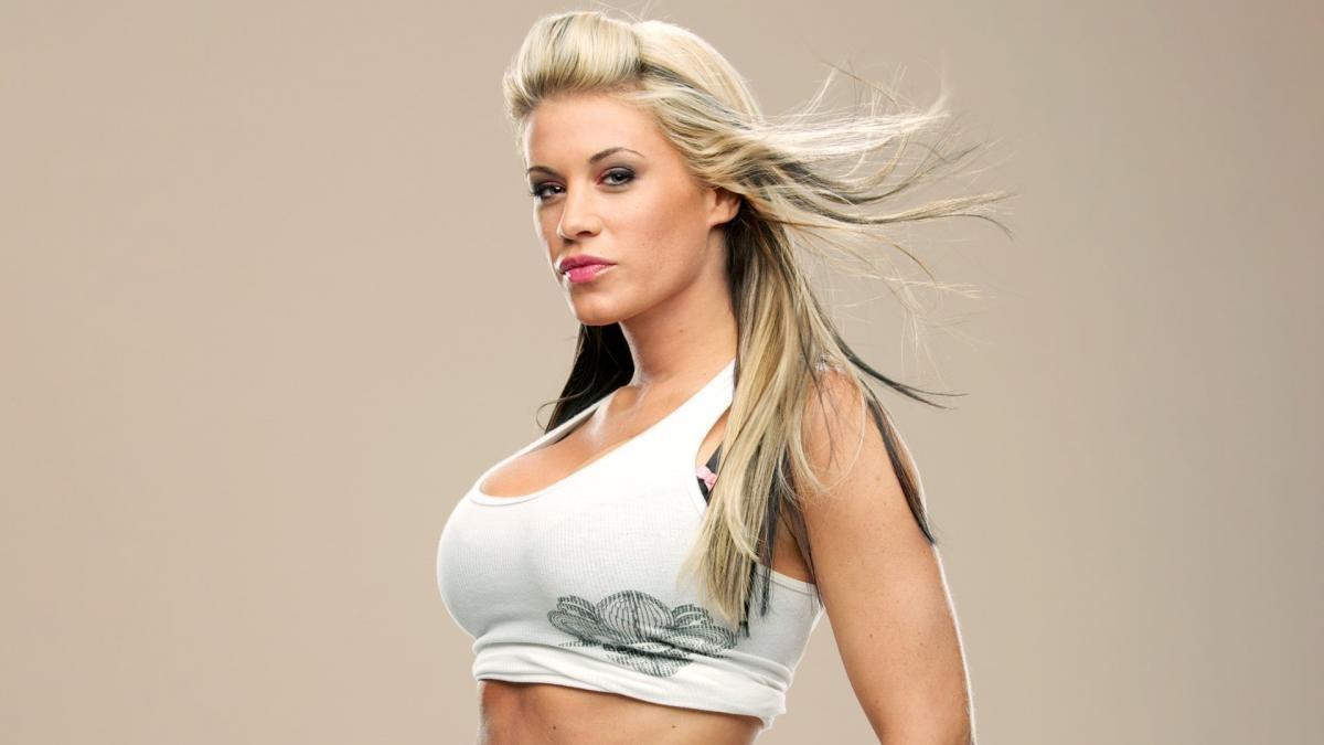 WWE star Ashley Massaro dies at age 39