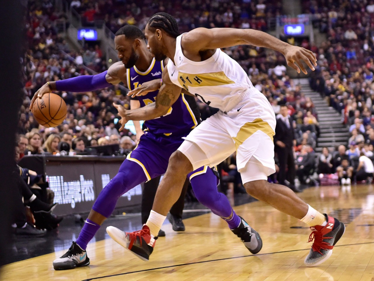 Leonard scores 25 as Raptors cruise to 111-98 win over LeBron and Lakers c9bfc4394