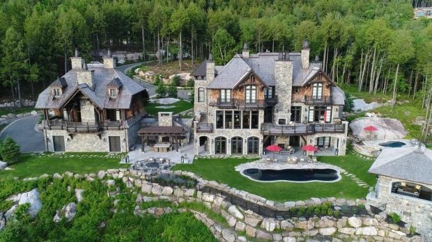 Pittsburgh Penguins owner Mario Lemieux lists his Que  castle for