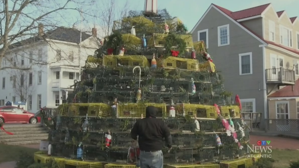 Christmas St. Andrews Nb Canada 2020 Lobster trap tree in St. Andrews, N.B., captures community's