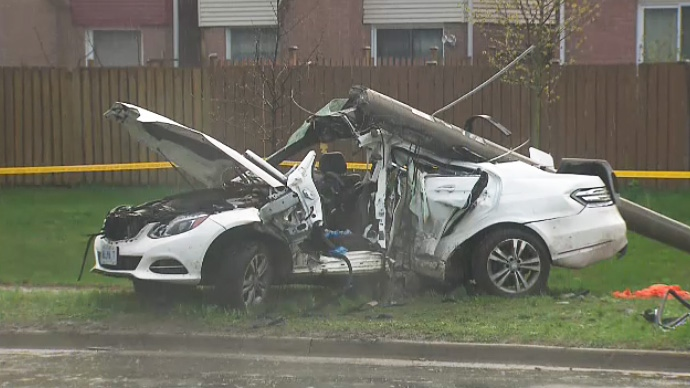 Teen dead, two others hospitalized after car slams into light pole