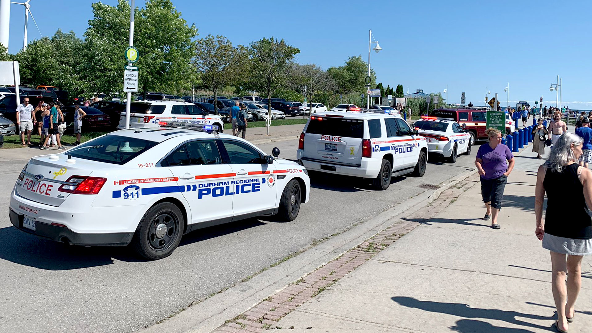 Mom dies after trying to help drowning son at Pickering