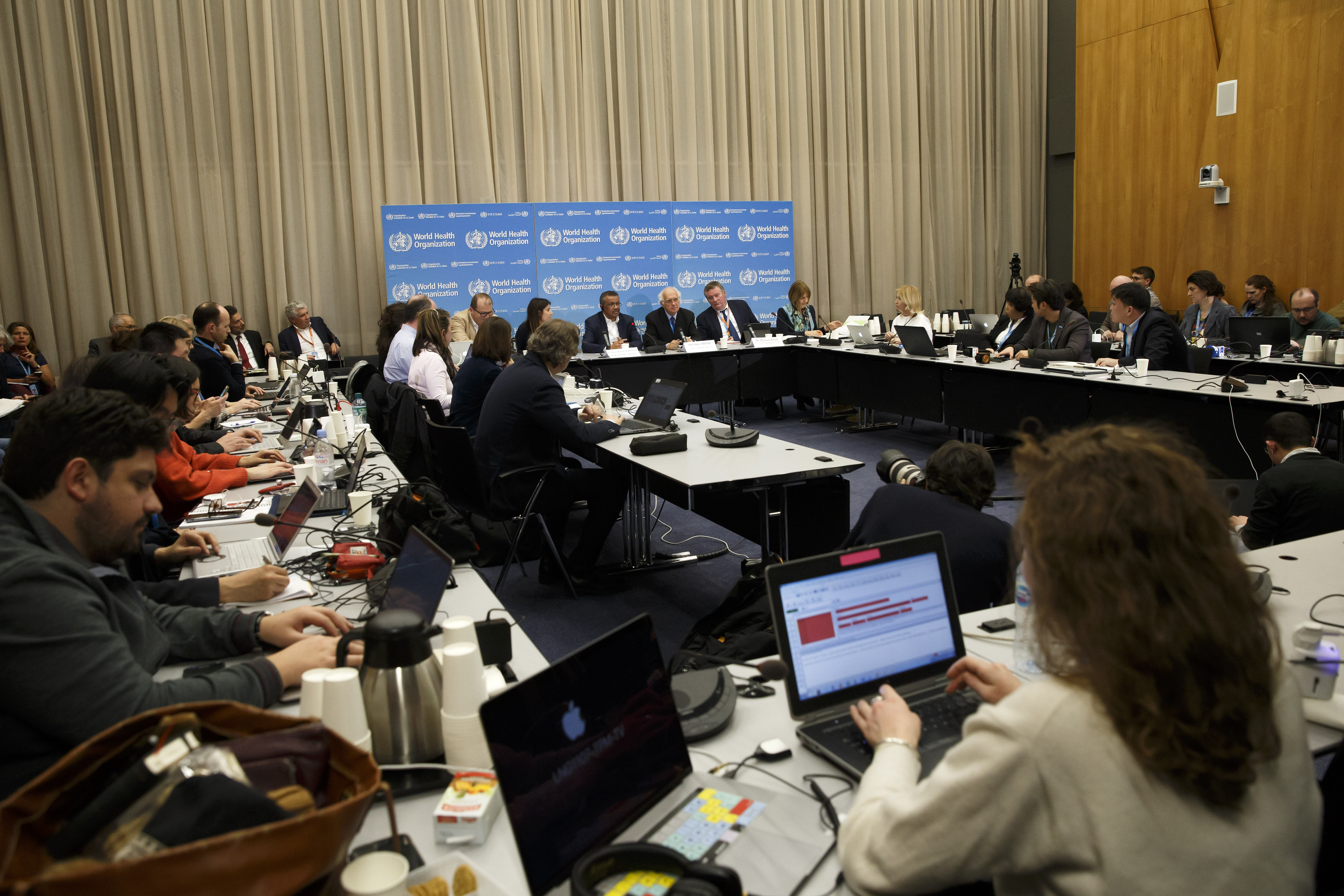 who officials discuss whether coronavirus is a public health emergency