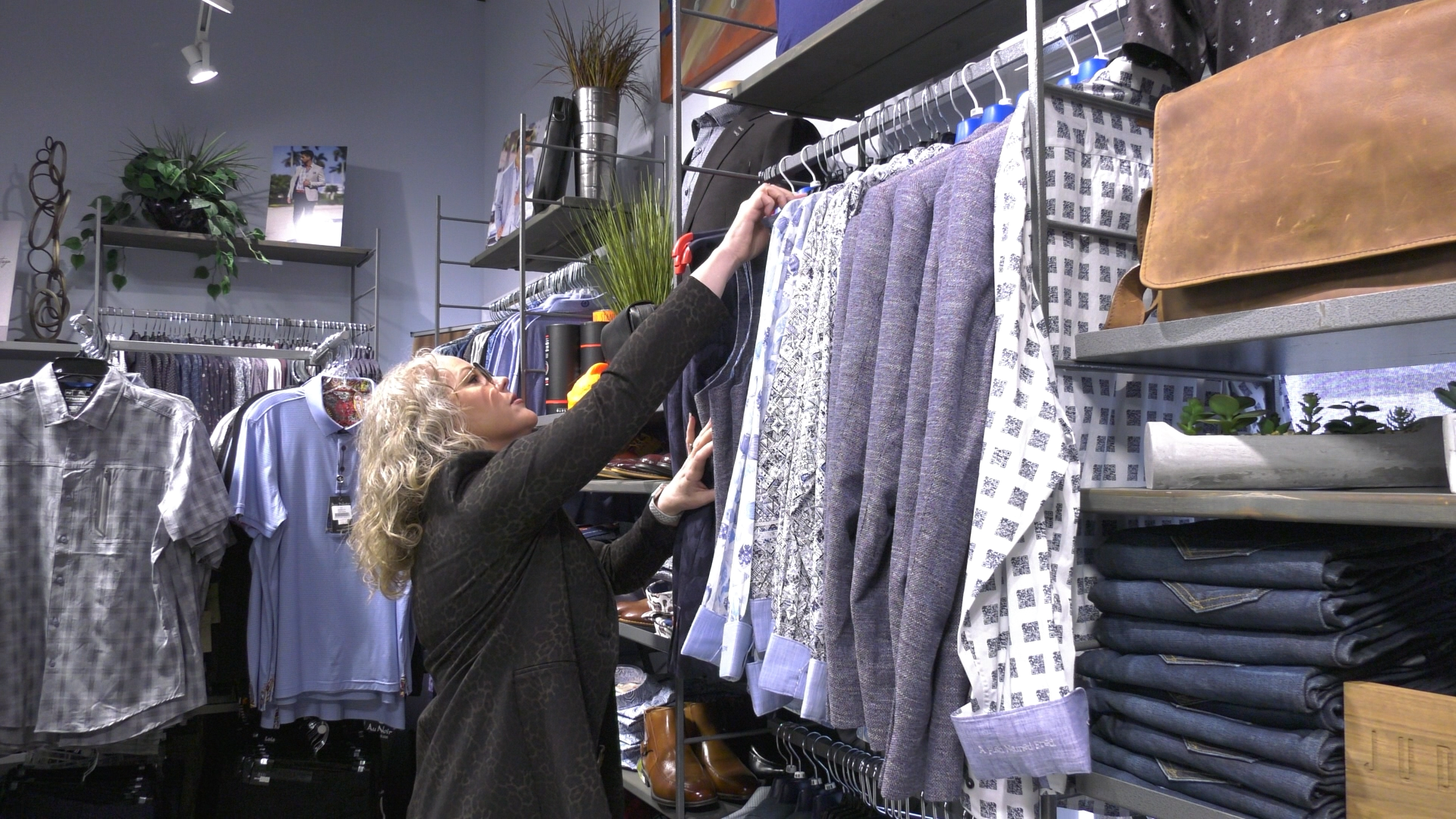 Retailers Happy With Relaxed Rules On Fitting Rooms Returns Ctv News