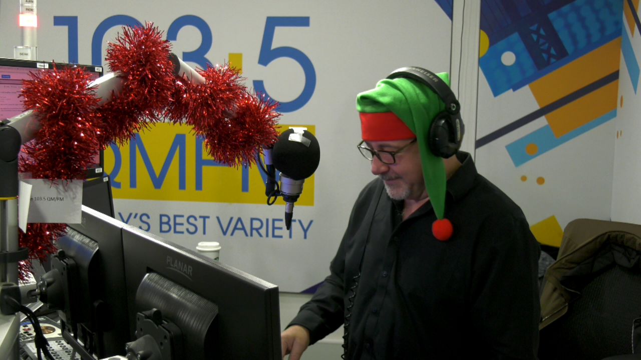 Vancouver Christmas Music Station 2020 103.5 QM/FM flips to all Christmas music earlier than ever | CTV News