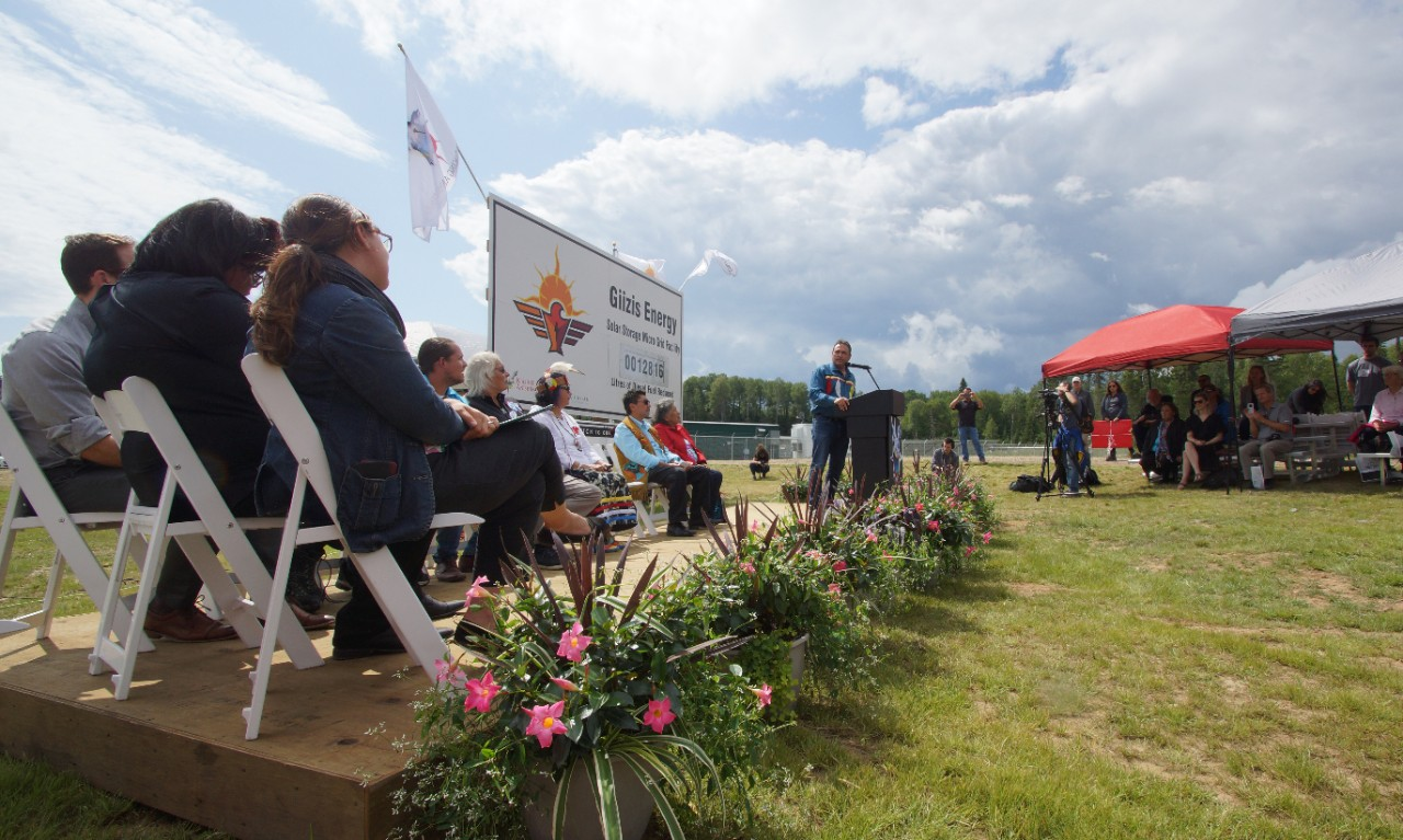Perry Bellegarde, National Chief of the Assembly of First Nations speaks at the Giizis Energy Celebration in Kiashke Zaaging Anishinaabek-Gull Bay First Nation on August 16, 2019. Photo: Pierre-Alexandre Carrier