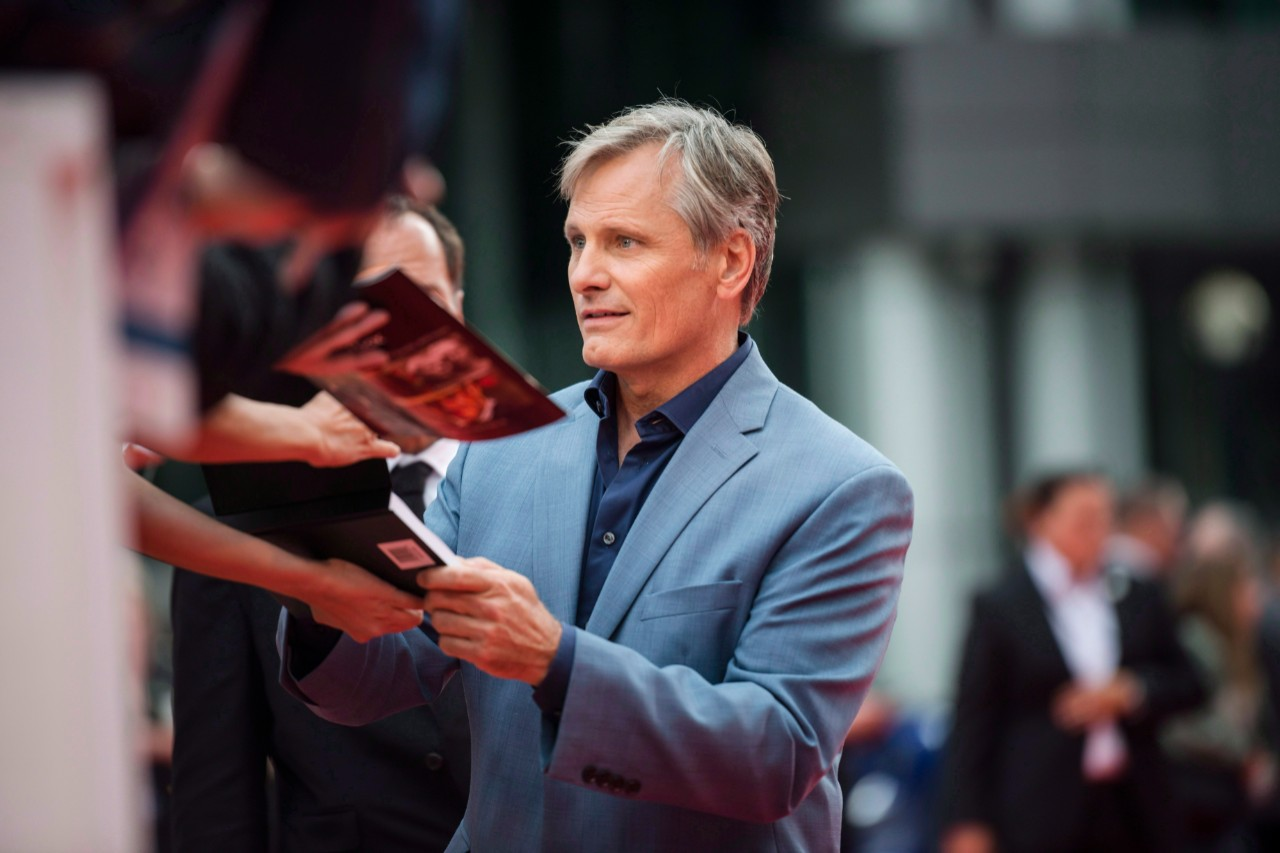 Actor Viggo Mortensen arrives ahead of the screening of 'Green Book' at TIFF in Toronto, on Sept. 11, 2018. (Christopher Katsarov / THE CANADIAN PRESS)