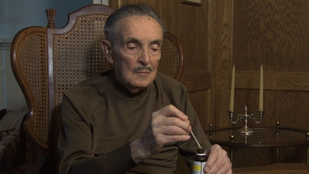Gordon Bennett, 96, has been using cannabis oil to treat his arthritis pain. (CTV News)