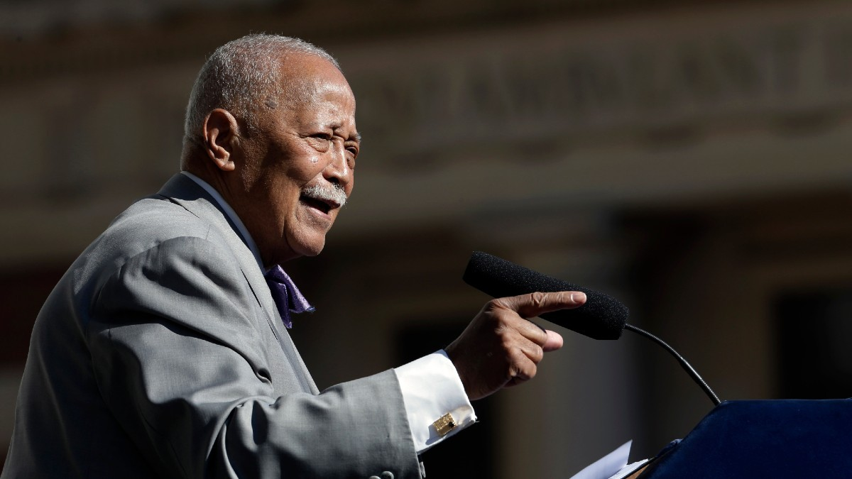 l6zbd5w 5dgurm https www ctvnews ca world nyc s first african american mayor david dinkins dies at 93 1 5201963